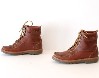 size 7.5 HIKING brown leather 70s 80s OUTDOORS BASS lace up ankle work boots