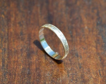 Hand Engraved Silver Oak Leaf Ring || US Size 6 || 3mm