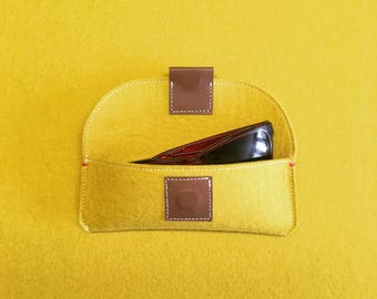FELT EYEWEAR CASE in yellow felt spectacle case ochre or mustard woolfelt