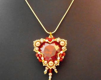 Pendant red gold triangle snake chain