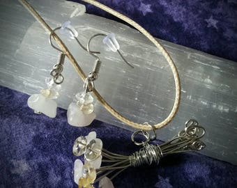 Bouquet Necklace and Earrings Set