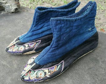 Vintage embroidered hmong handmade shoes (H320)