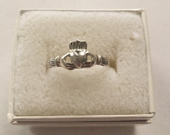 Silver Size 7 Claddagh Ring