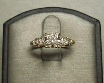 Antique Vintage Estate C1940 14K Gold 0.35TCW Square Round Brilliant Diamond Engagement Ring Sz 7