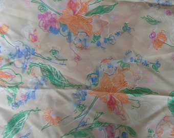 Colorful Floral Sketched Design Lightweight Polyester Fabric 1 1/4 Yards X0523