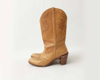 Vintage Womens Dingo Western Boots - 70s 80s Honey Tan Brown Leather Cowgirl Riding Boots w/ Stacked Heel - Boho Festival Boots - Size  10