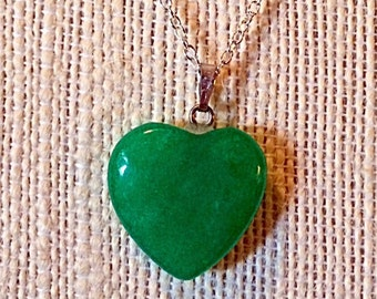 "Beautiful Green Jade Heart Pendant Necklace - Sterling Silver 18"" Chain - Natural Stone Necklace - Agate -  Versatile"