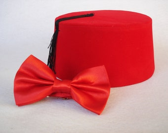 Doctor Who Fez And Bow Tie - Eleventh Doctor Matt Smith Fez - Doctor Who Bow Tie - 11. Doctor Red Doctor Who Fez Dr. Who Bow Ties Are Cool
