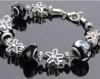 Toc Beadz Black Flower Power Bead Bracelet (PB84)