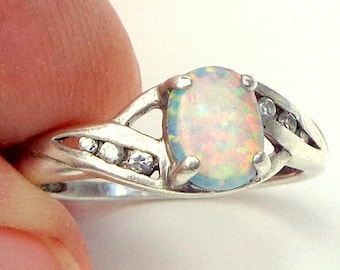 Sz 9.25, Welo Opal Ring, Ethiopian Opal, Sterling Silver/Gold Setting, Natural Gemstone, Color Play Stone, Peach, Yellow, Green, Blue