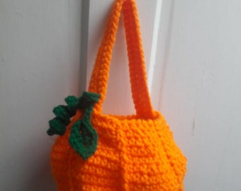 Pumpkin treat bag for Halloween