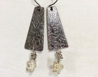 Etched copper dangle earrings.Shabby chic white flowers.Black and white earrings.