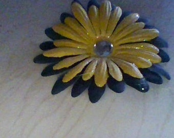 medium black and yellow bow