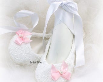 Ballet Flats,Lace Flats,White,Pink,Blush,Flats with Bows,,Ballerina Slippers,Wedding Flats,Reception Flats,Bridal Flats,Vintage Style