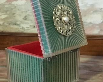 Vintage Music Box Jewelry 1960s A Maiden's Prayer Plastic Footed with Gold Tone/Pearl Focal Green