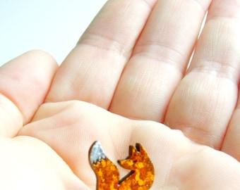 tiny fox pin, lapel pin, sweet, cute fox, tie pin, cute, fox pin, orange fox, tiny fox, pin brooch, gift for animal lover, British wildlife