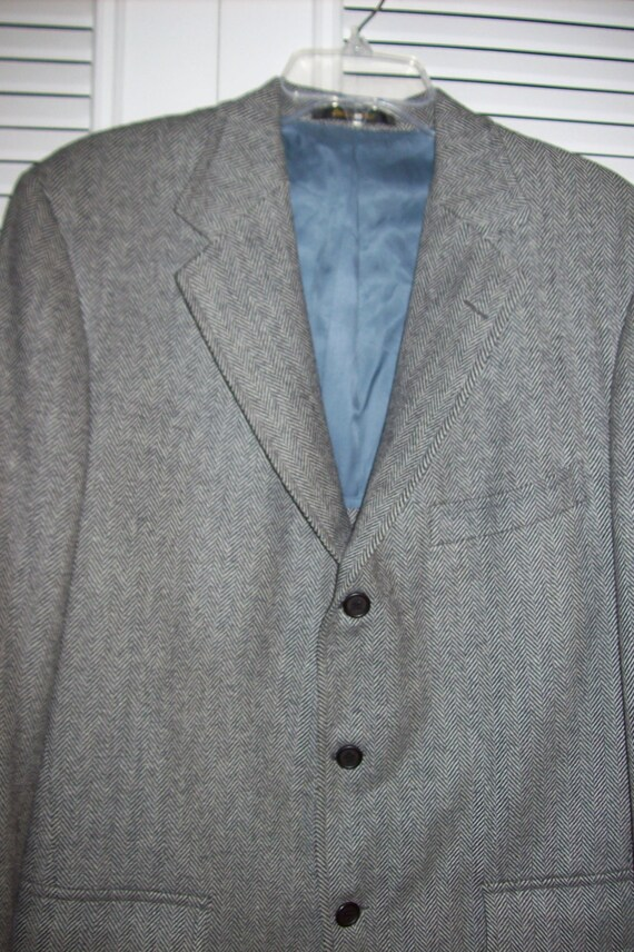 Sportcoat 46, Vintage Hickey FreemanJUST REDUCED Wool Herringbone Sportcoat Men's 46 R Very fine find ! Perrfect