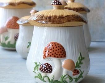 Large Sugar Canister Mushroom 1970s, Hand Made Ceramic Mushroom Jar, Retro Kitchen Decor, Kitschy Kitchen Decor, 1970s Kitchen Arnel
