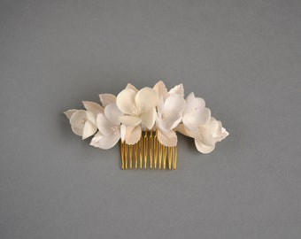Flower bridal comb CAMILLE,  bridal headpiece, wedding accessoire, floral comb, flower comb
