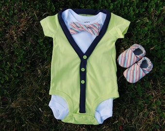 Yellow short sleeve Cardigan and bow tie set and booties