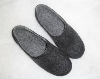 Black felted slippers/ wool felt slippers/ felted slippers for man/ undyed black slippers/ country village shoes/ wool shoes.