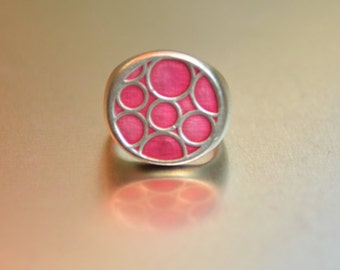 Vintage silver ring - pink bubbles