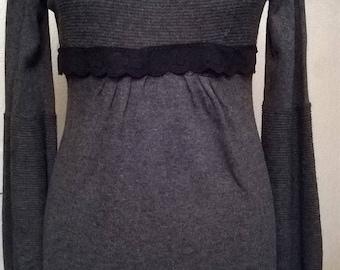 Cotton long sleeve tunic and dark grey acrylic