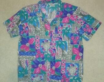 Vintage Short Sleeve Floral Palm Tree Top Lg/XL