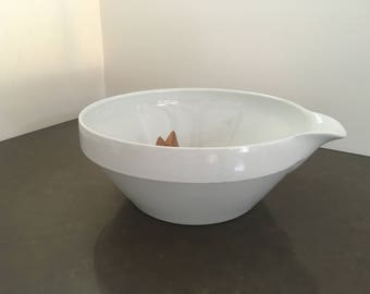Kai Franck Arabia of Finland Large White Batter Bowl