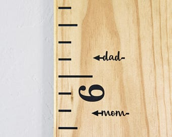 Height Marker for Growth Chart Ruler - MOM & DAD Vinyl Decal Arrow in Script - Measuring Mark - LEFT facing