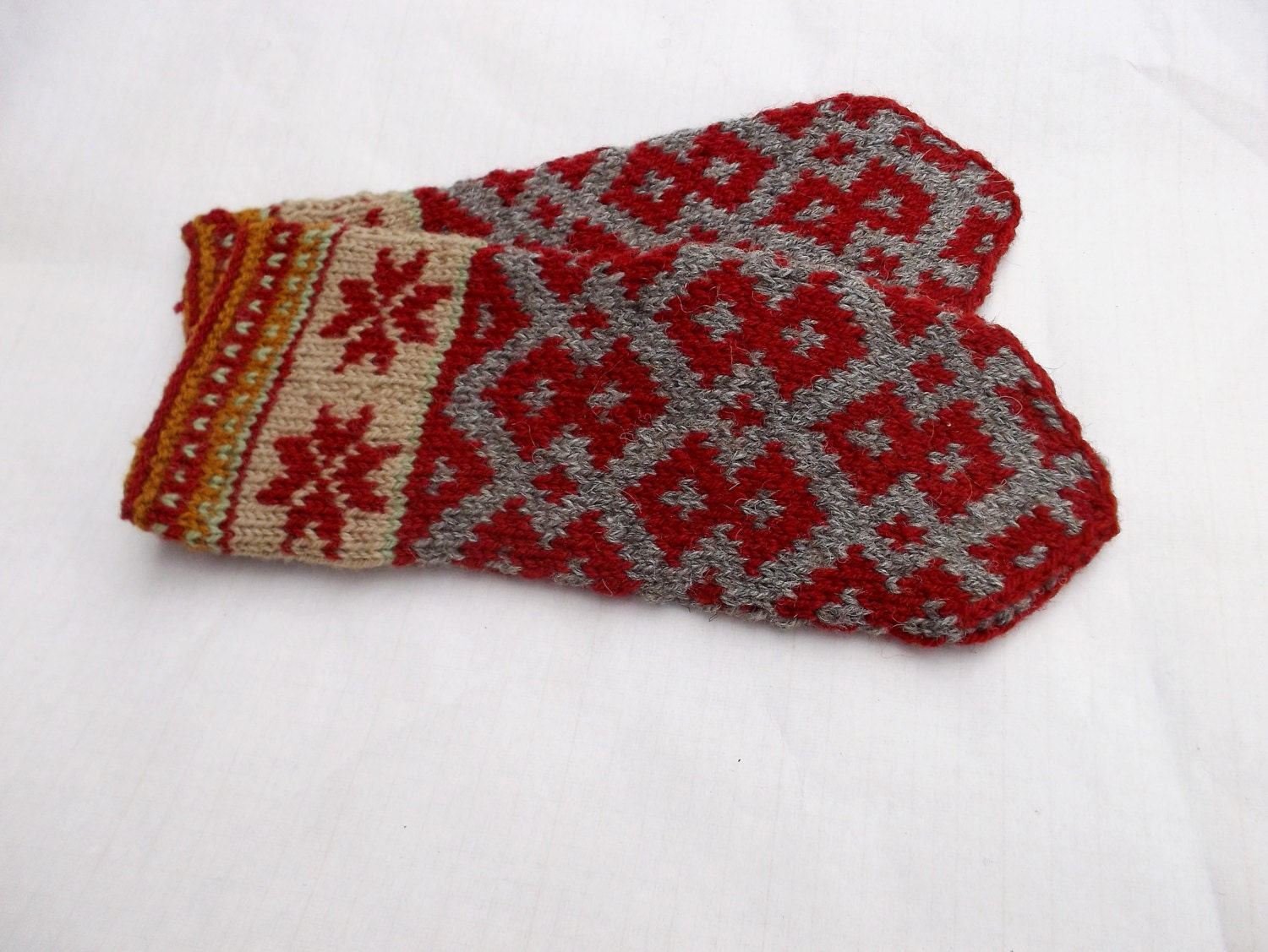 knitted wool gray red mittens hand knitted pattern mittens