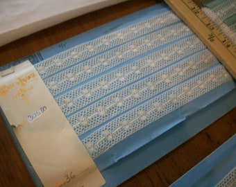 Deco vintage French white cotton lace lovely design