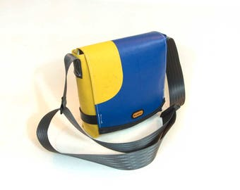 Truck tarp shoulder bag: Ursula