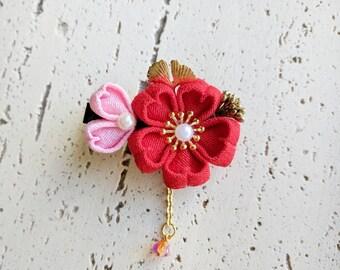 Sakura Petals Cherry Blossom Kanzashi Flower Chirimen Hair Clip, Japanese Kimono Accessory, Sakura Jewelry, Kimono Hair Clip - Red