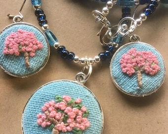 Embroidery hoop pendant jewellery, embroidered necklace and earrings set,  jewelry, jewellery, cherry tree pink flowers, valentines gift
