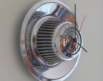 Chevy Rally Hubcap Clock No. 2606