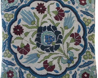 """Hand-hooked rug  """"Damascus Tile"""""""