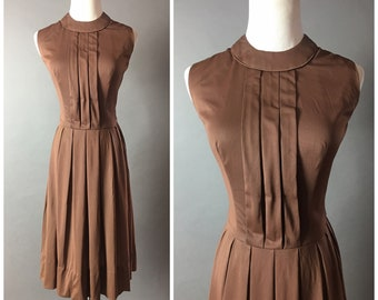 Vintage 60s dress / 1960s dress / fit and flare dress / mod dress / day dress / party dress / pleated skirt / full skirt / 8369