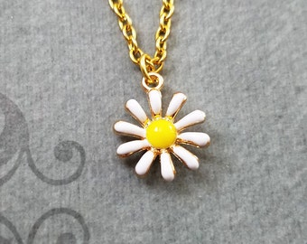 Daisy Necklace SMALL Daisy Jewelry Daisy Pendant Daisy Charm Flower Necklace Bridesmaid Necklace Flower Girl Gift Flower Jewelry Enamel