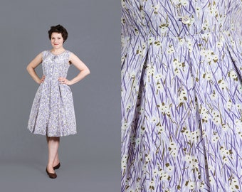 vintage 1940s 1950s cold rayon sun dress pleated skirt tiny floral purple fit and flare dress by Korell Plus size M Medium L Large