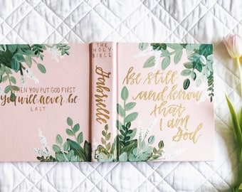 Hand Painted Bible: Green Theme