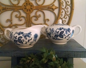 Clearance!!Vintage creamer and sugar~blur and white floral creamer and sugar~beautiful vintage creamer and sugar~japanese creamer and sugar