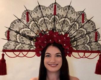 Black lace fan headdress