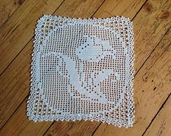 26x28cm Tulip pattern, crochet doily