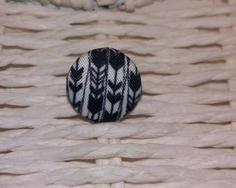 1 beautiful black and white fabric button