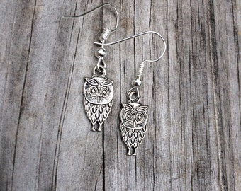 Vintage style Owl Earrings, Silver Owl Earrings, Charm Earrings