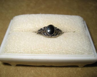Lovely 80s Sterling Silver Marcasite Onyx Ring 6 3/4 Vintage