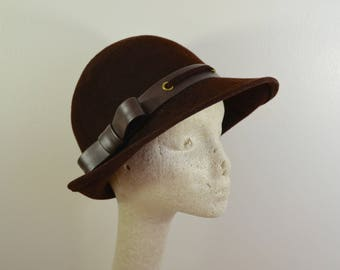 Vintage GLENOVER ladies wool felt hat HENRY POLLAK New York 1960's mod