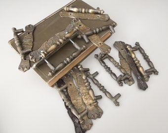 Drawer Pulls Handles Knobs - Set of 12 Vintage - Amerock Cabinet Handles & Back Plates - Brass Tone Metal