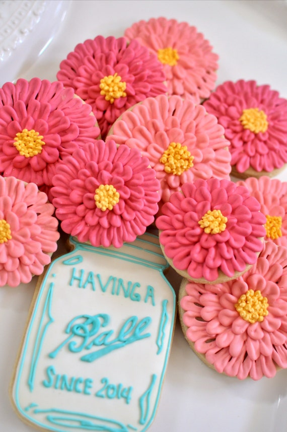 Mason Jar and/or Zinnia cookies-12 Pieces